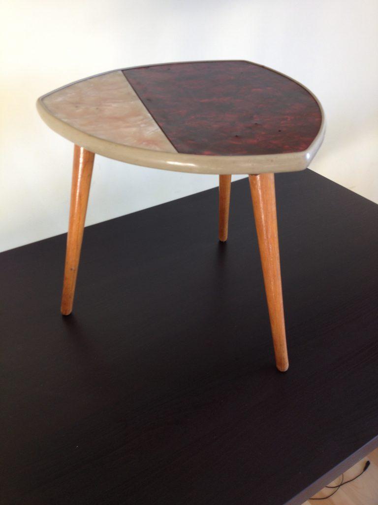 Trójkątny stolik/kwietnik Blumenhocker