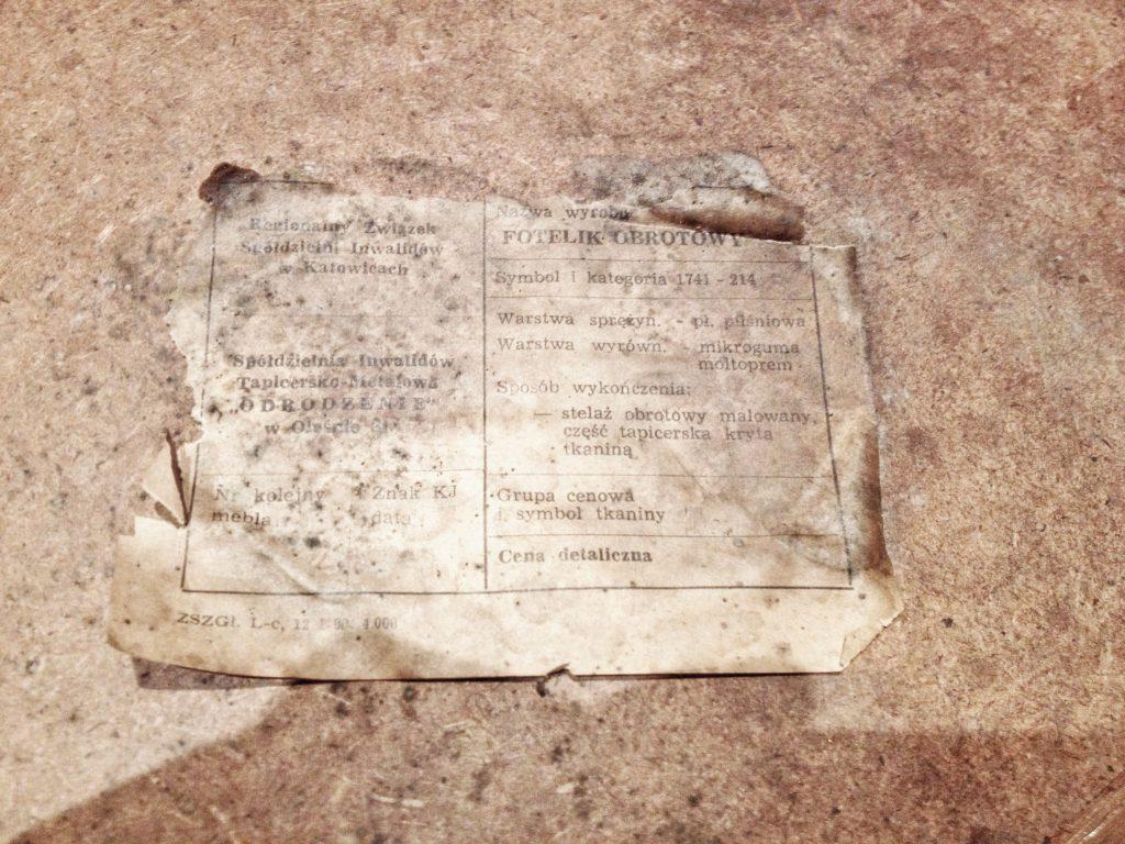 Etykieta obrotowy fotel tapicerowany typ 1741-241