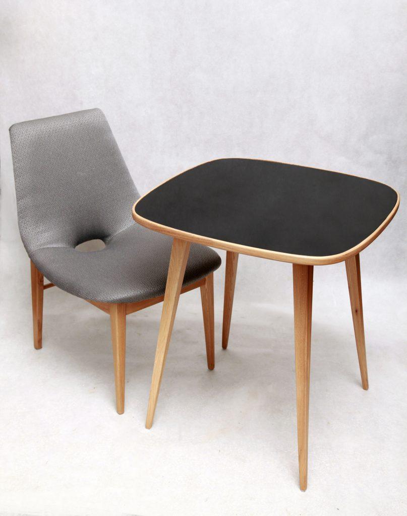 Krzesło Muszla oraz stolik ze szklanym blatem, proj. Hanna Lachert