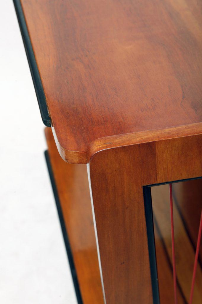 Stolik z żyłkami pod radio typ 600-204, PRL
