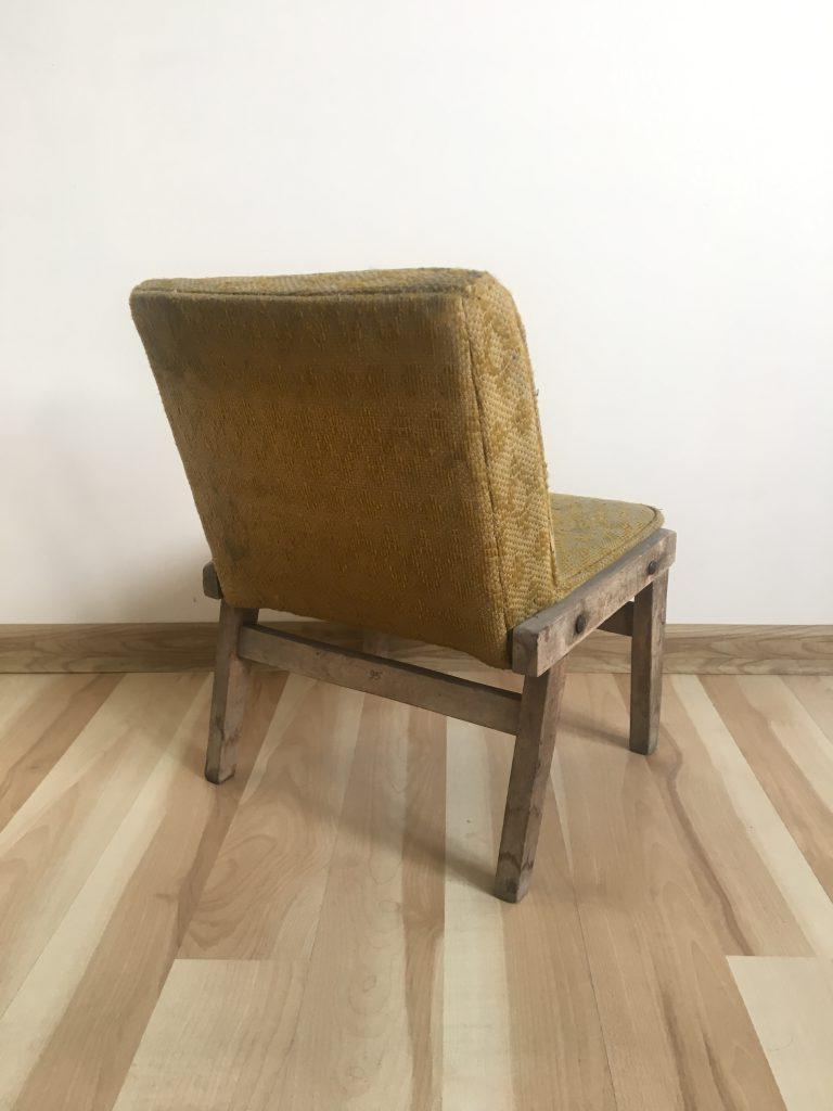 Krzesło tapicerowane dziecięce Maciek, PRL