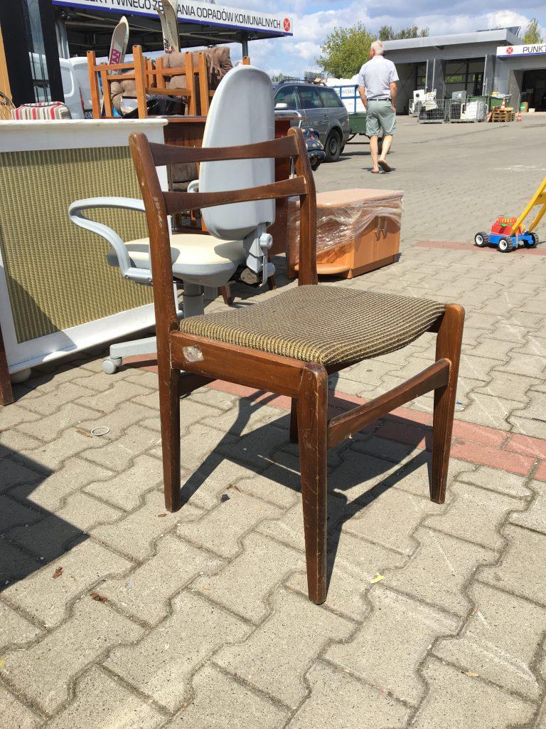 Krzesło Daniel-1 prod. Opolskie Fabryki Mebli, Zakład Nr 5 w Paczkowie (1985)