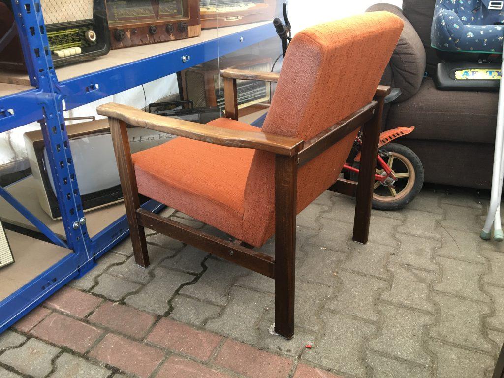 Fotel tapicerowany typ B-8228 prod. Zakłady Przemysłu Meblarskiego im. Gwardii Ludowej