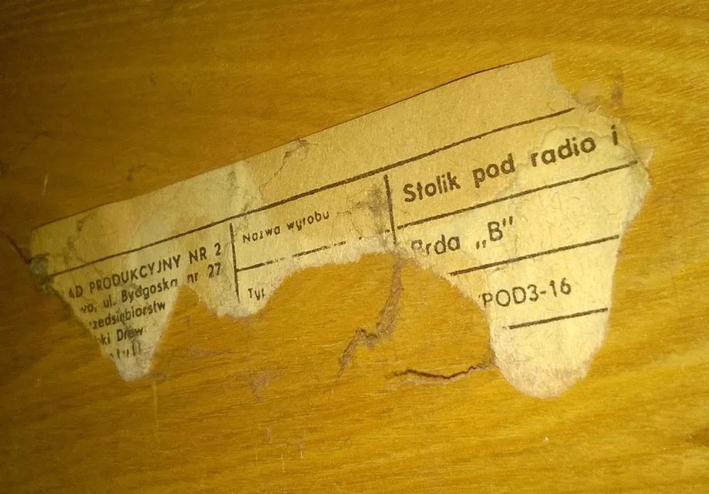 Stolik pod radio i TV Brda B, prod. Zakład Obróbki Drzewa Nr 7 w Koronowie