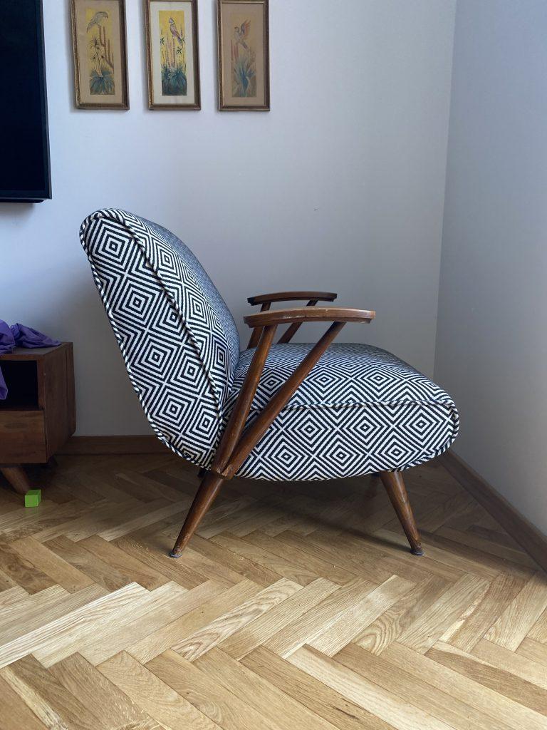 Fotel typ 300-110 prod. Gościcińska Fabryka Mebli