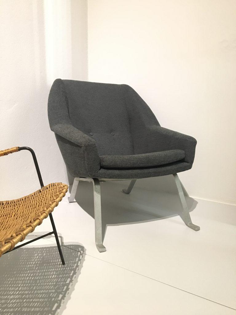 Fotel tapicerowany proj. Jan Węcławski dla hotelu Merkury Orbis w Poznaniu