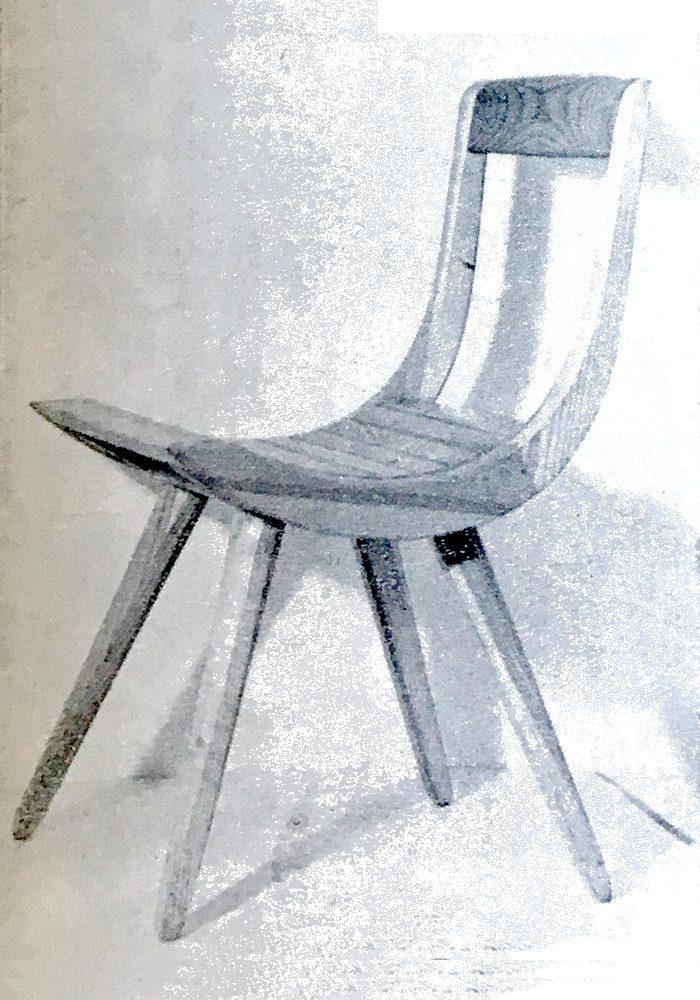 Krzesło z Domu Rzemiosła przy ulicy Miodowej w Warszawie